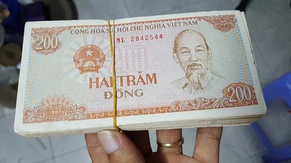 100 Tờ 200 Đồng Năm 1987